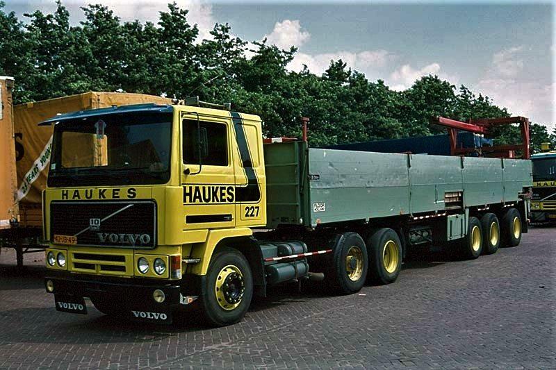 Han-Megens--Volvo-F10-nr-227-met-een-Floor-steenoplegger