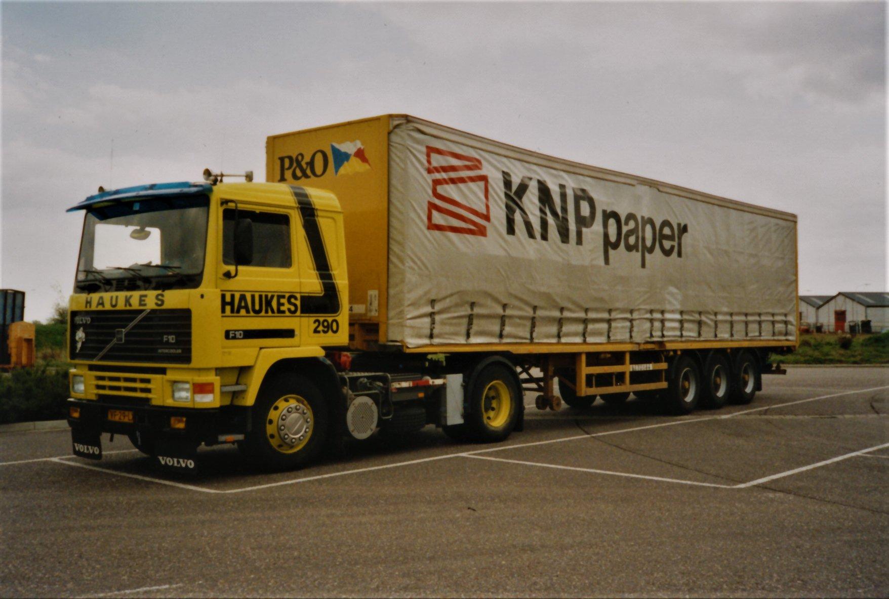 Han-Megens--Volvo-F10-nr-290-met-een-Ferry-Master-oplegger--KNP-Maastricht-Nijmegen