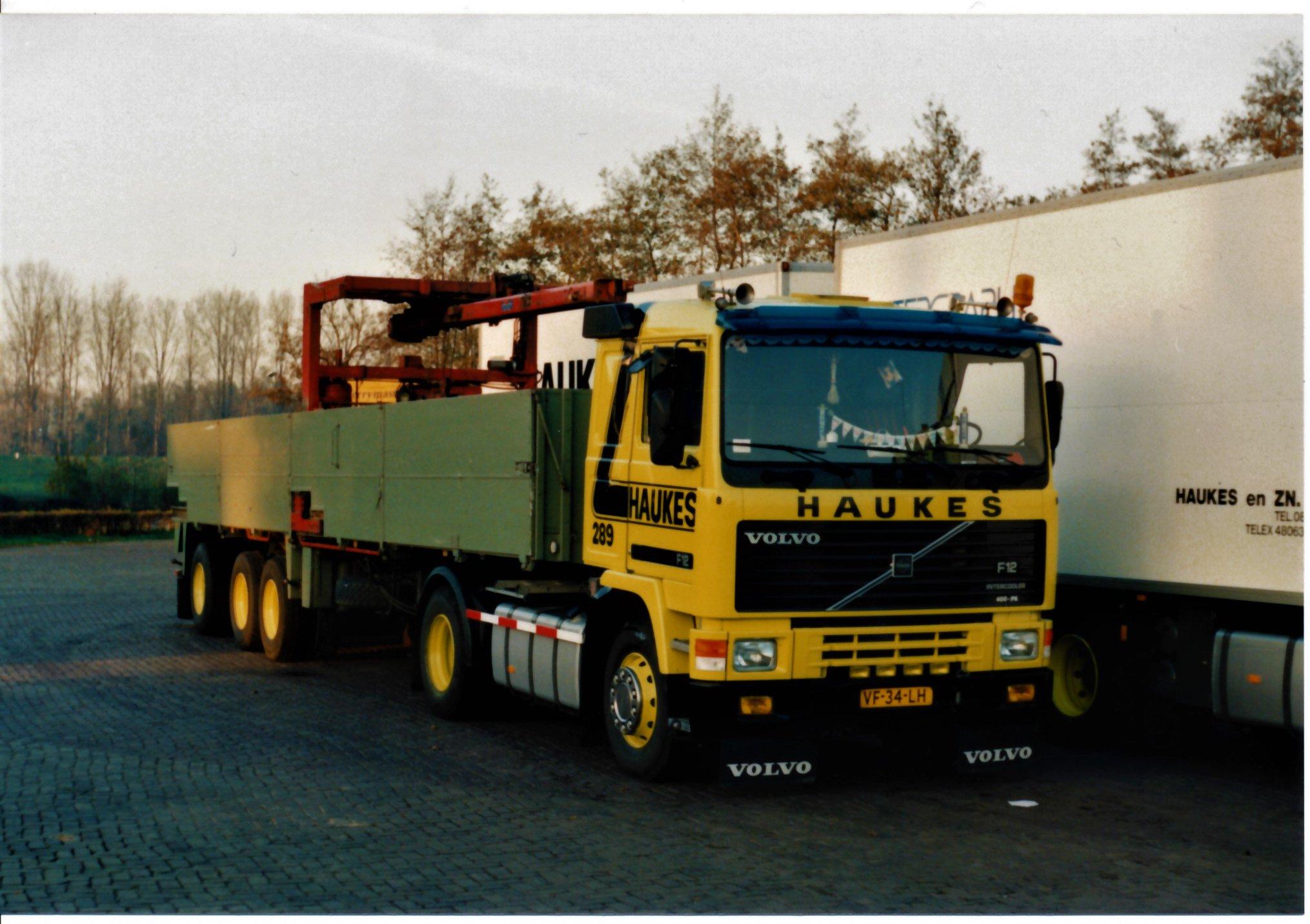 Han-Megens--Volvo-F12-nr-289-met-Floor-steenoplegger