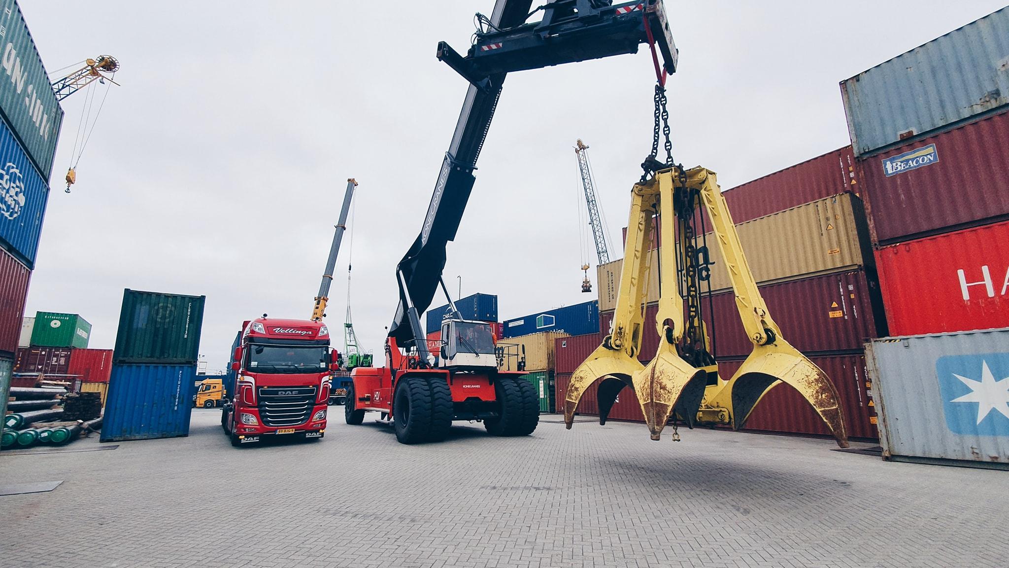 DAF--Kleine-vrachtjes--grote-vrachtjes