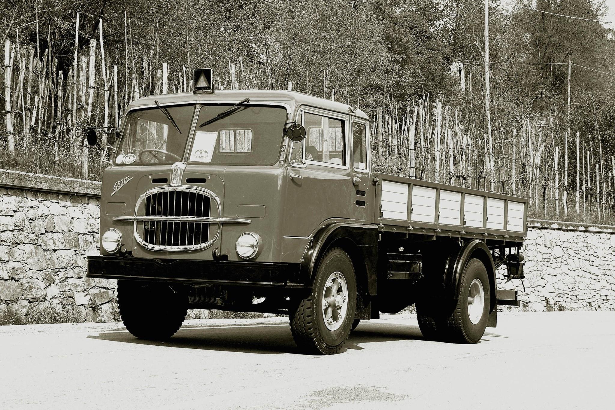 FIAT-682---1952
