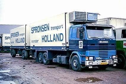 Fred-Wijling-zijn-wagens-bij-het-bedrijf-3