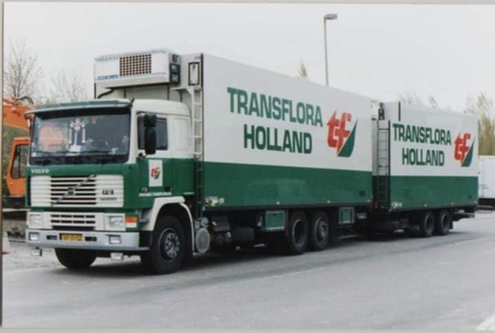Fred-Wijling-zijn-wagens-bij-het-bedrijf-4