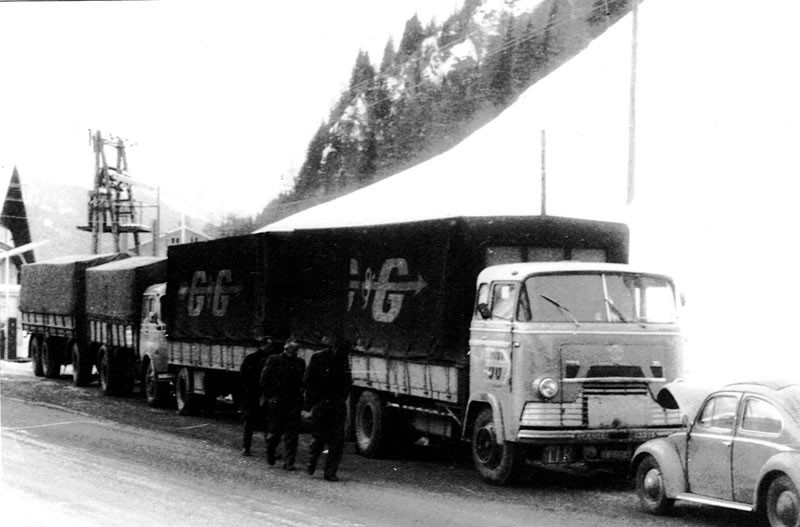 Scania-LV-A_vd_Berg_pech_op_de_brenner_fs
