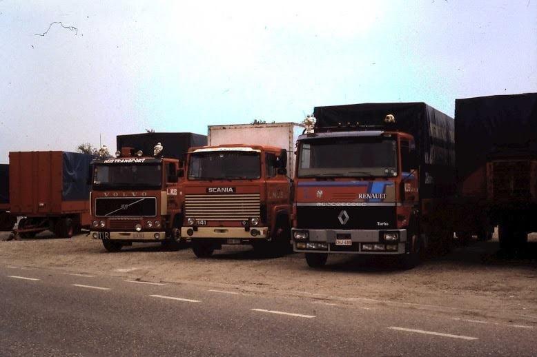 De-middelste-was-mijn-eerste-bij-de-firma-Nijs.-Scania-141-camion-remorque--Peter-Bax