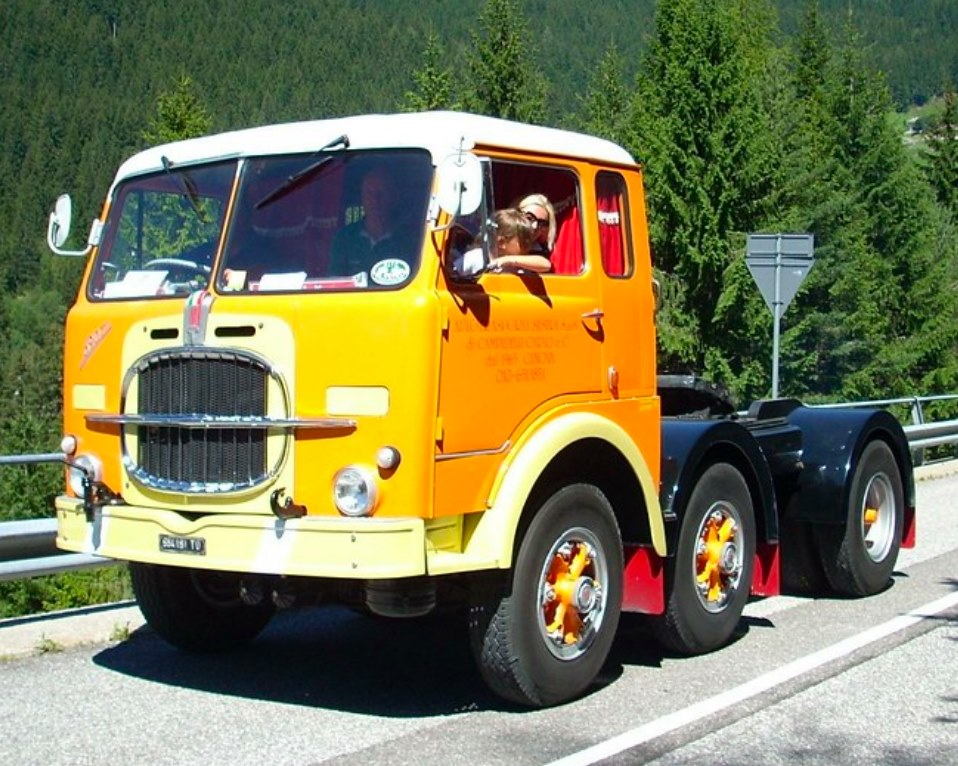 Fiat-690T1-6x2-tractor--1960