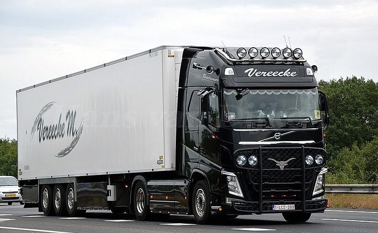 Volvo-2--2