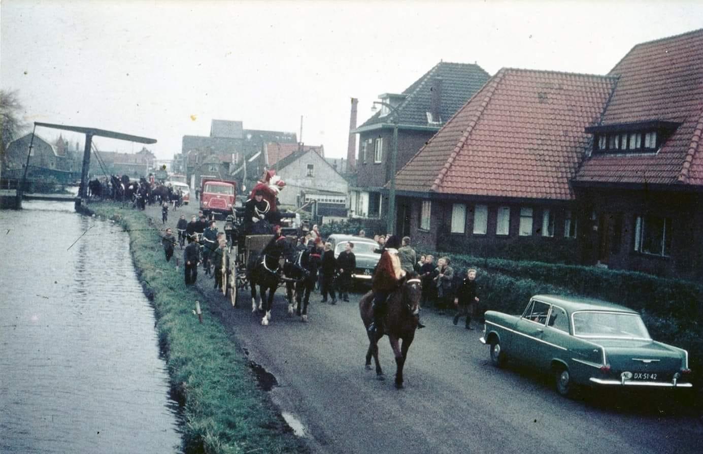 1960--Achter-sint-Nicolaasstoet--