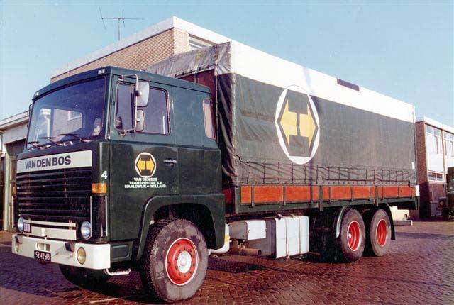 scania-111-zeilenwagen-charter