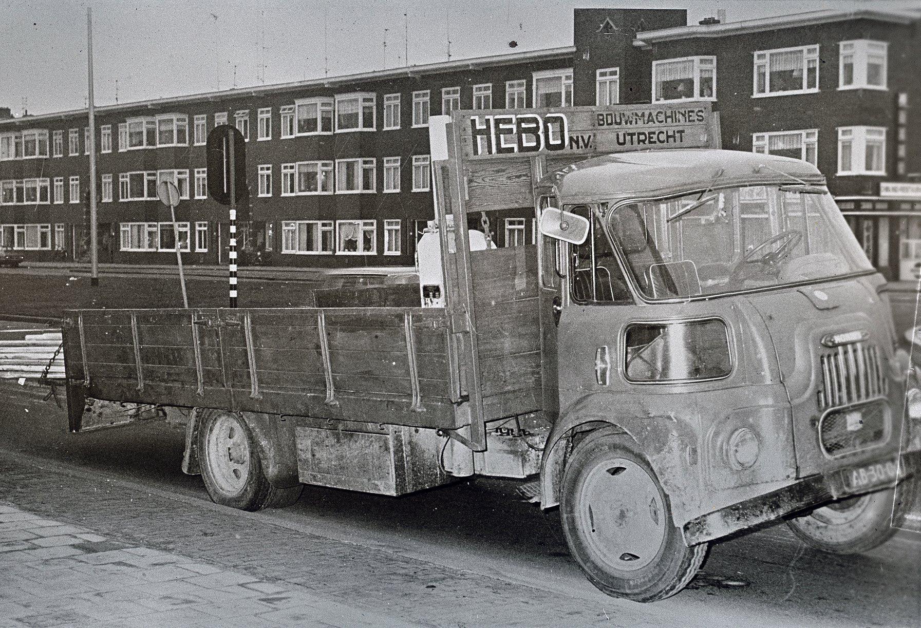 1974-HEBO-Bouwmachines-N-V-op-de-Croeselaan-te-Utrecht