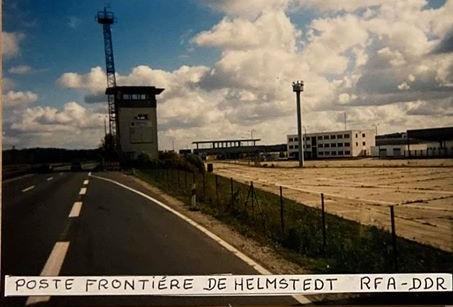 DDR-2-Tijd-van-de-berlijnse-muur-passage-in-Helmsted-