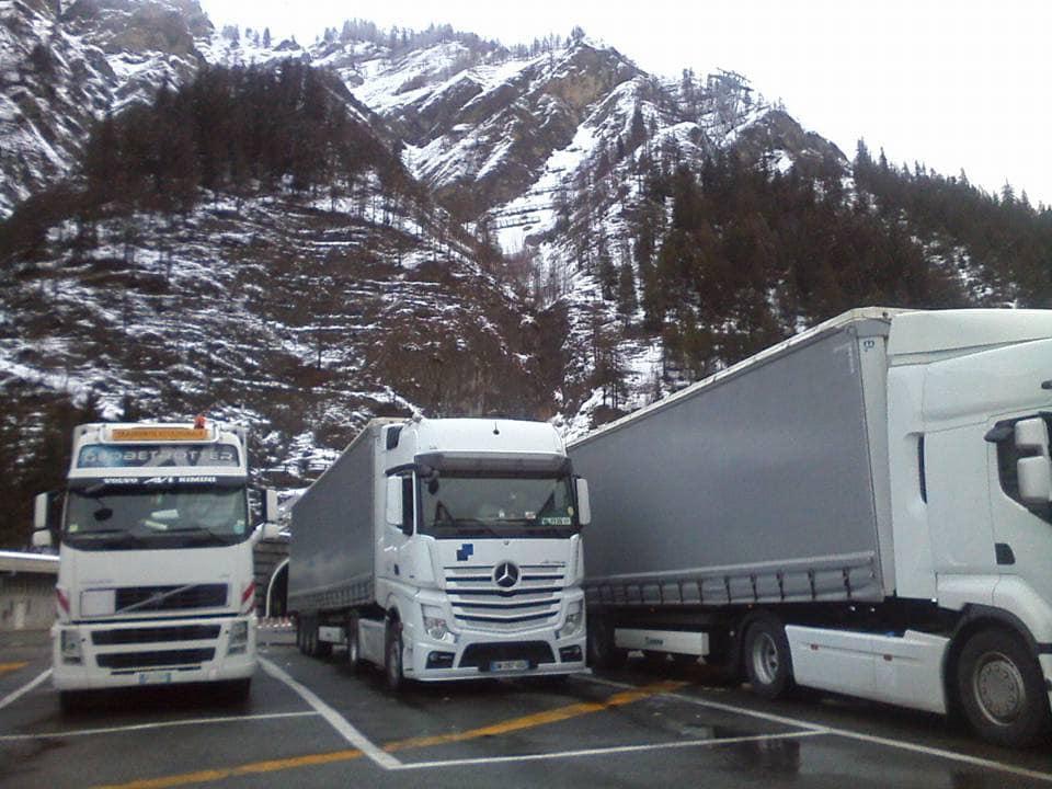 z--Tijdens-een--van-de-laatste-reizen-met-mijn-vader-en-zijn-laatste-truck---bedrijf-staz-in-st-van-het-noorden