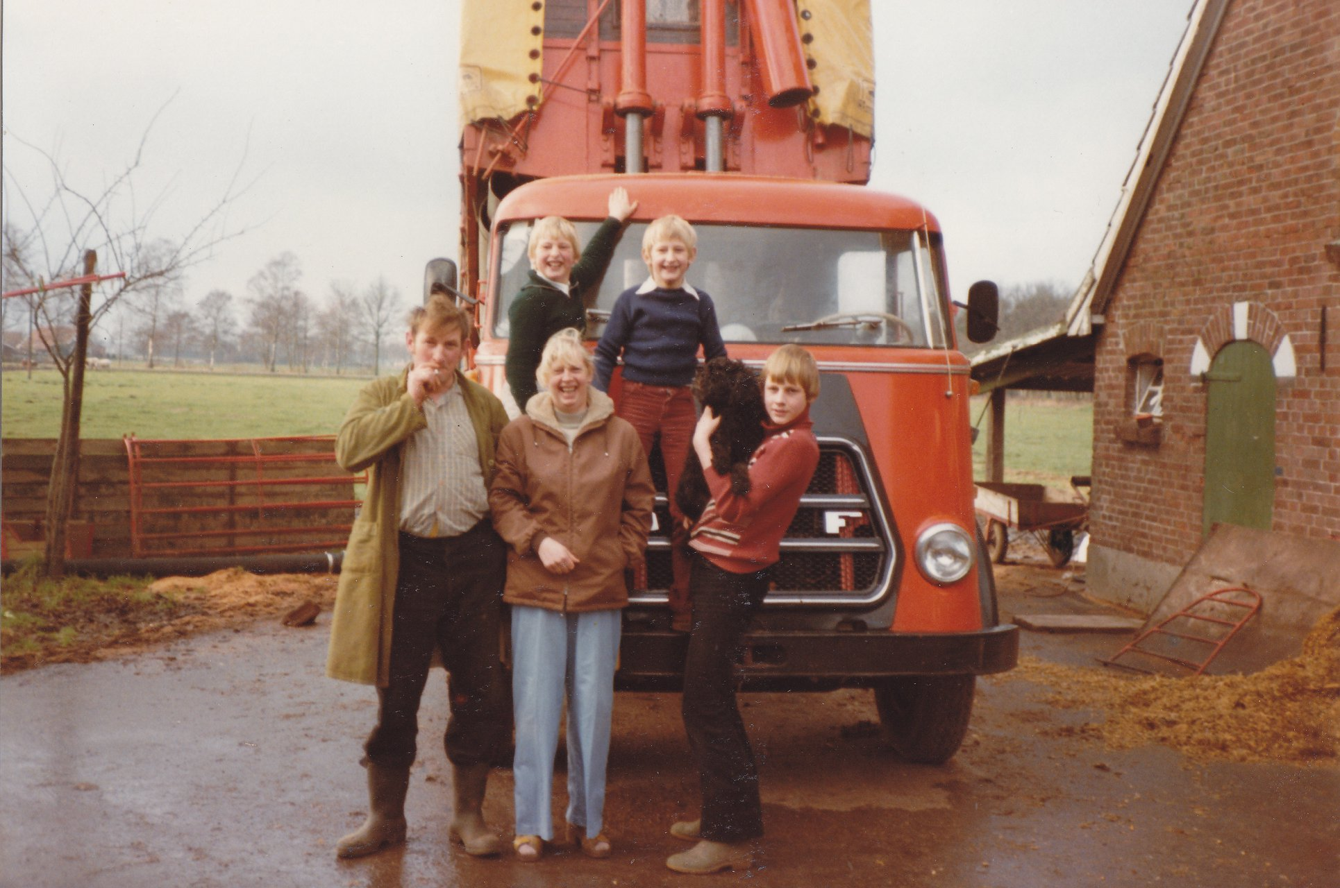 1979-Jan-en-Janna-Ten-Damme--en-Willie-Henk-Johan-en-hond-Tanja-