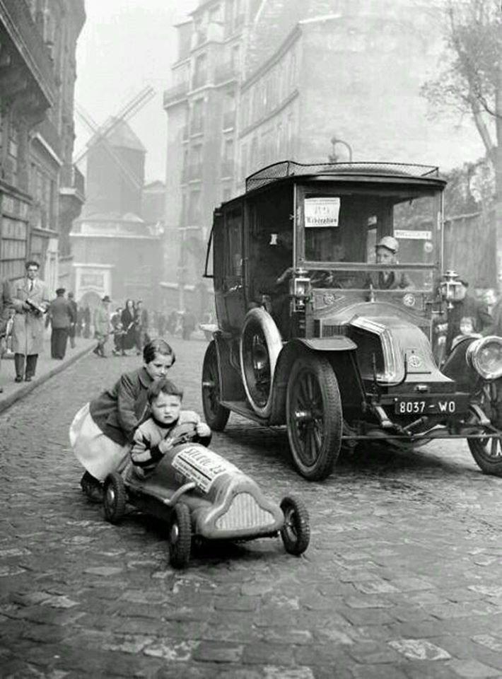 Paris--montmartre---Renault--1920