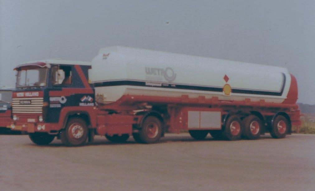 Scania--75-PB-15-introductie-van-brandstoffen-transport-bij-de-Wetro-Erik-Van-de-Burgt-