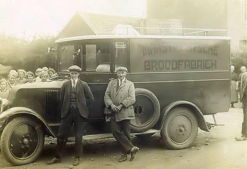 1928--MABRO-bestelwagen-in-Bemelen