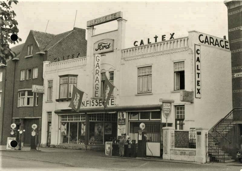 1953-Garaasj-Fissette-op-de-Sjaanderweeg-met-Caltexpoomp