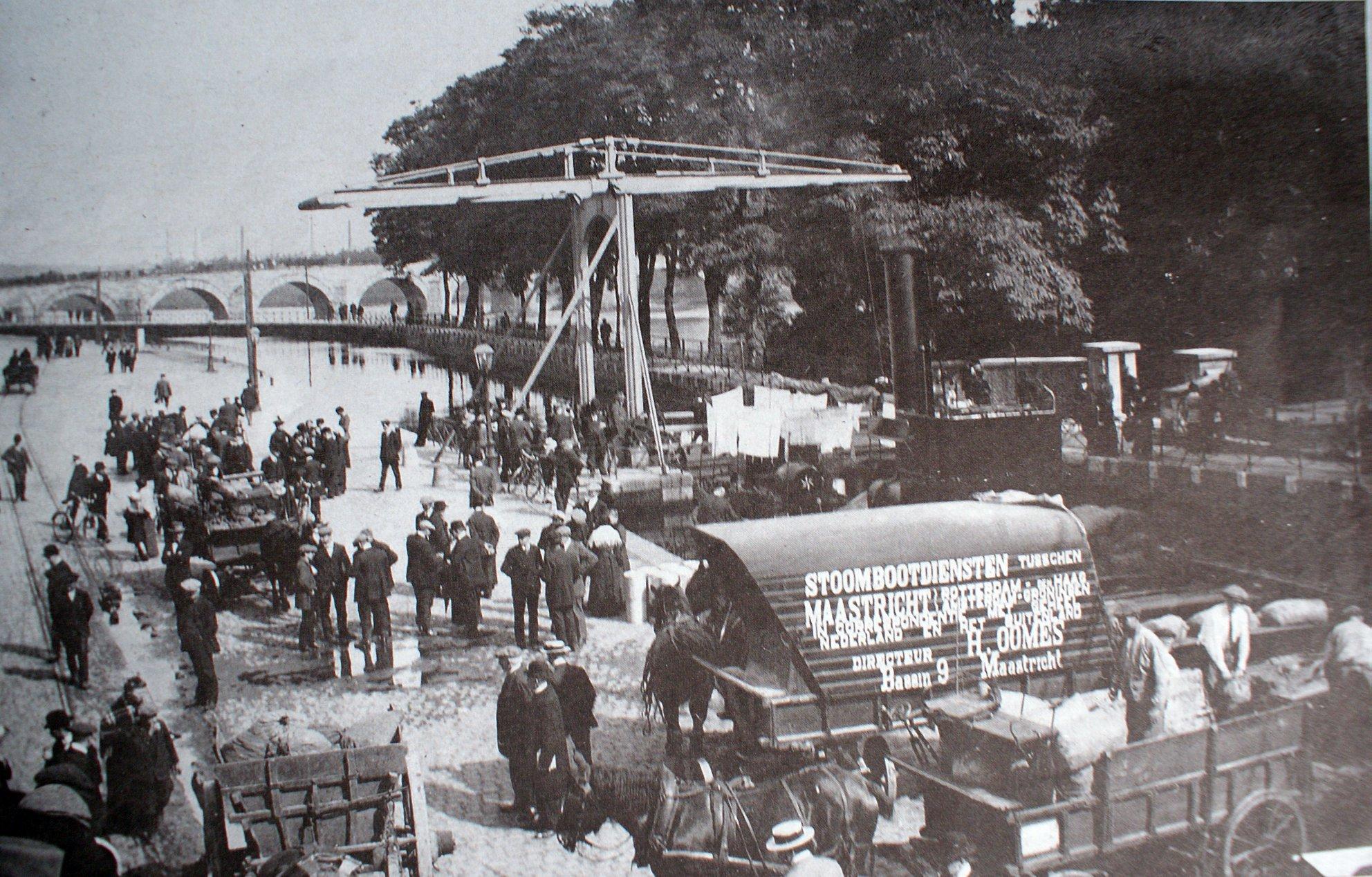 Bonhomme--ca-1917