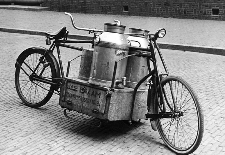 Transportfiets-voor-melkboer--Amsterdam-Nederland-1932-2