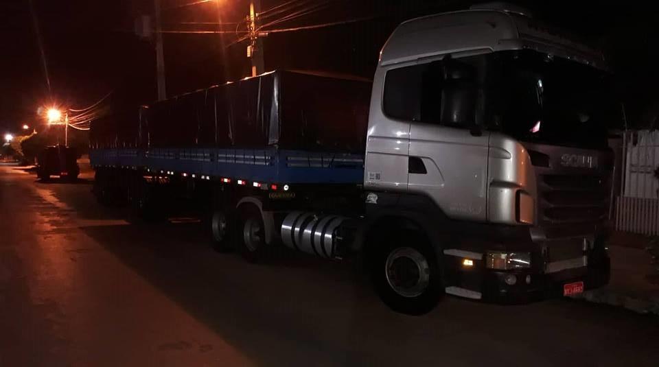 Scania-samen-met-de-Volvo-onderweg-2