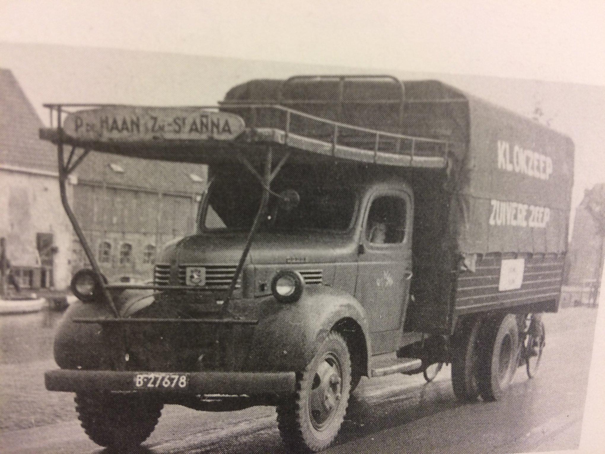 Dodge--door-Piet-Rondaan-in-Beetgum-opgebouwd--foto-is-van-1959--