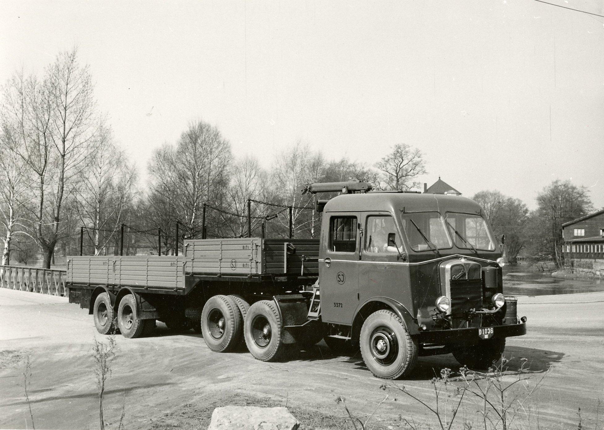AEC-Mammoth-Major-6-Mk-III-2