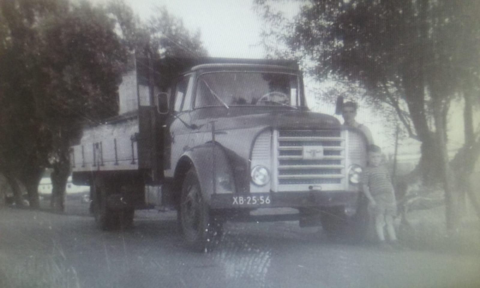 mijn-vader-met-een-vrachtje-melk-archief-Henk-