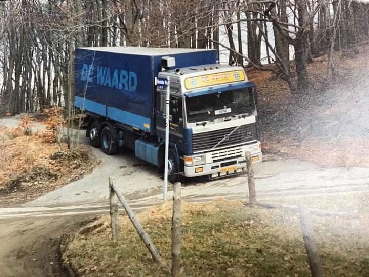 Volvo-6X2-charter