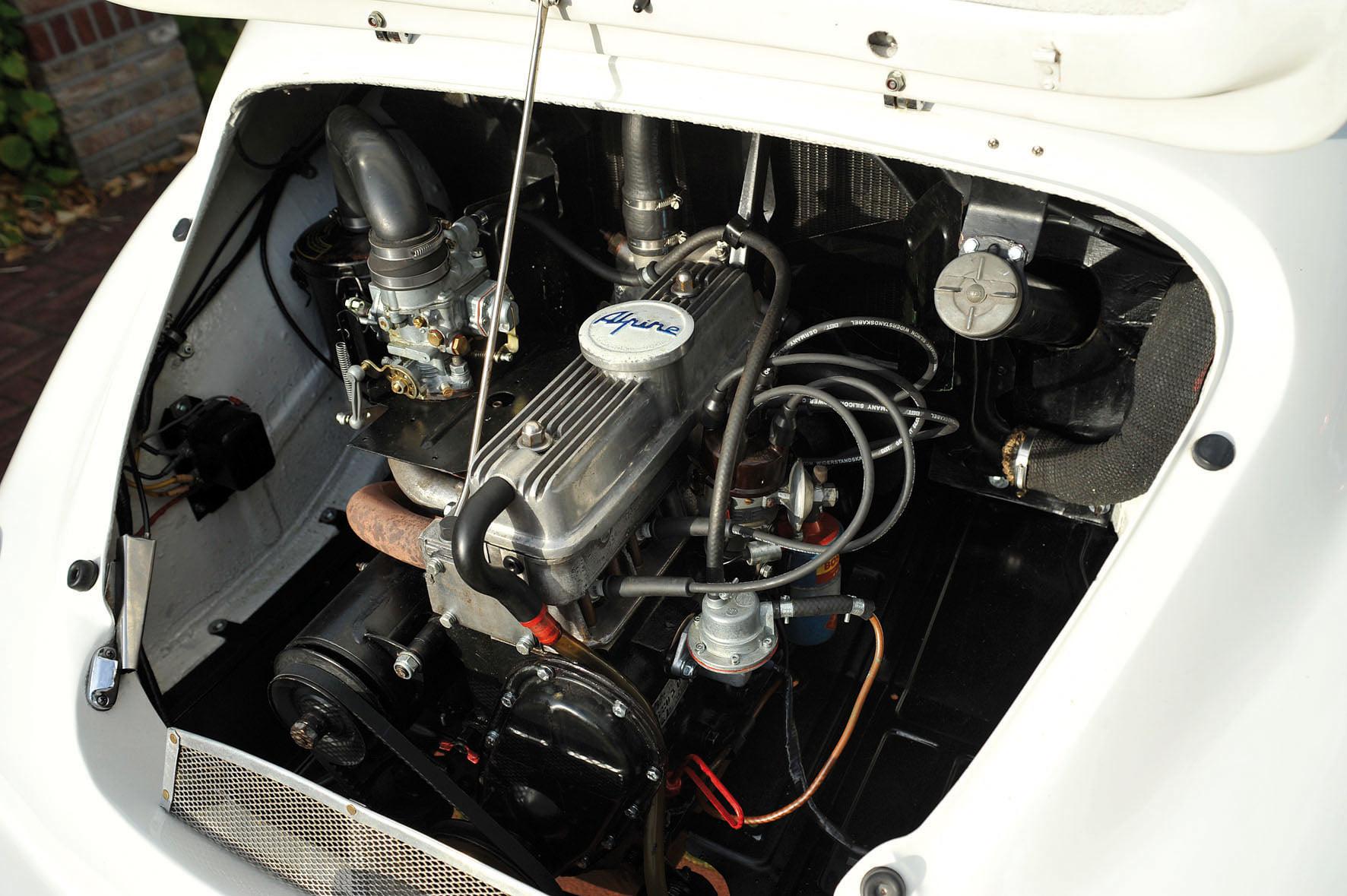 Renault-CV--Alipne-A106--3