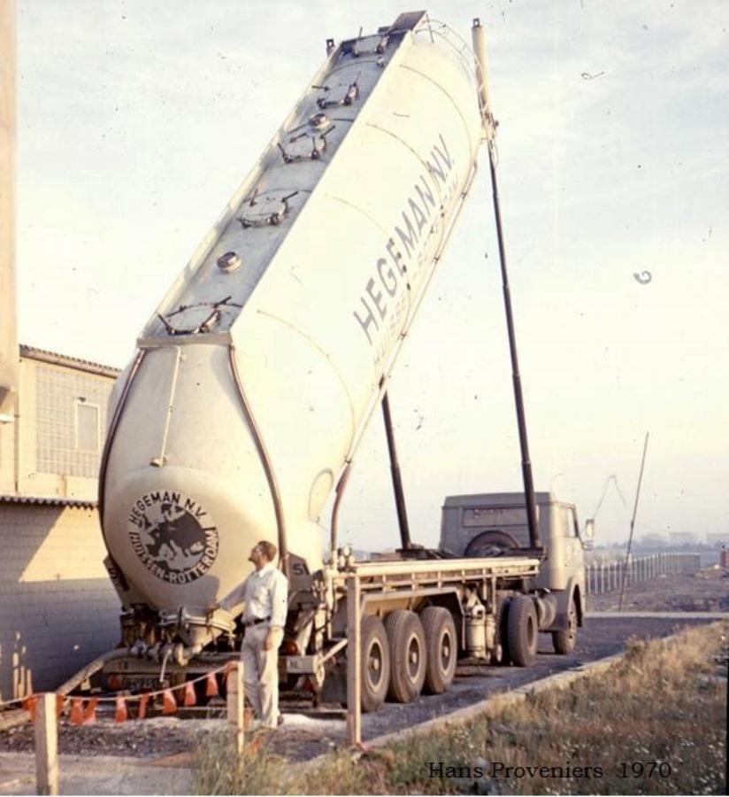 NR-57-met-kipper