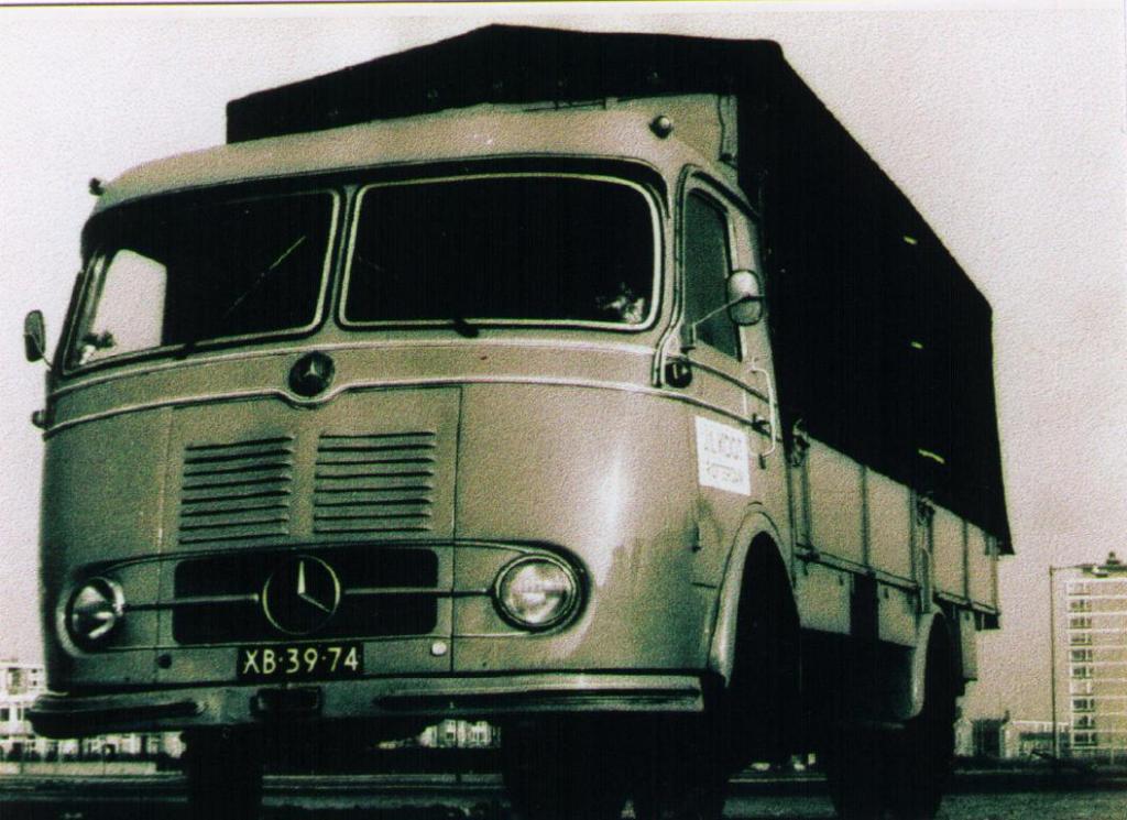 NR-61-mercedes-benz
