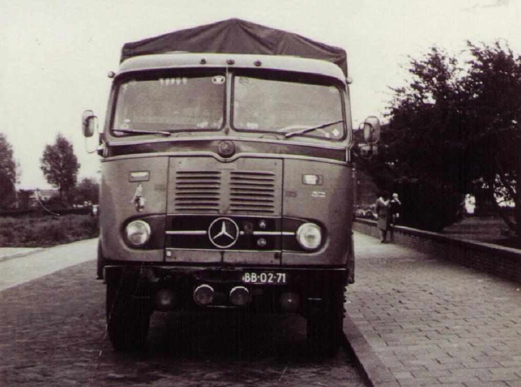 NR-65-mercedes-benz