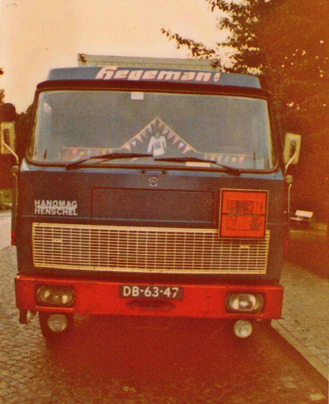 NR-152-hanomag-henschel