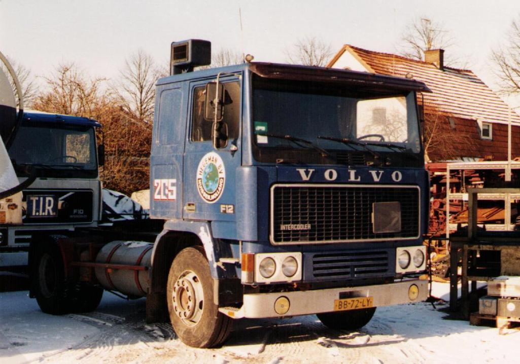 NR-205-Volvo-1