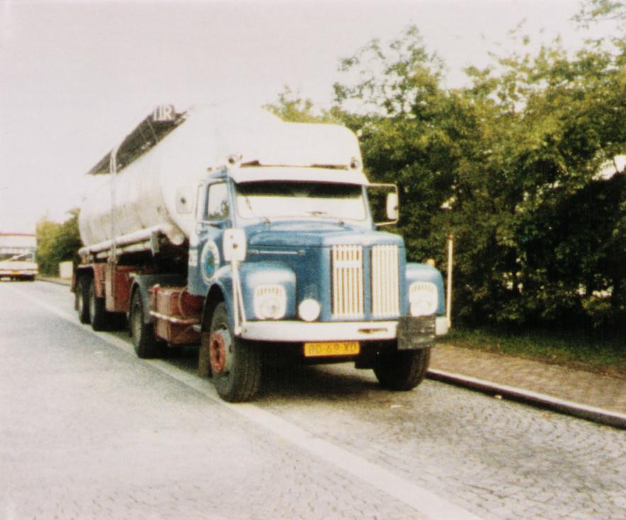 NR-218-Scania-Vabis-met-rit-naar-Izmir-Turkije--8