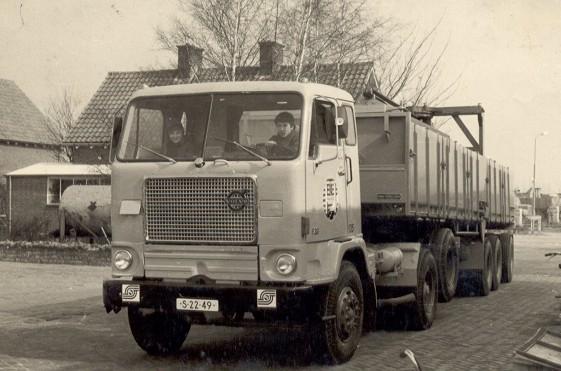 Volvo-135-John-Hubbers-Ik-mocht-een-rondje-rijden-de-135-de-tweede-van-de-49-jaar-bijrijder-Theo-Koenders-zoon-van-Ger-RIP