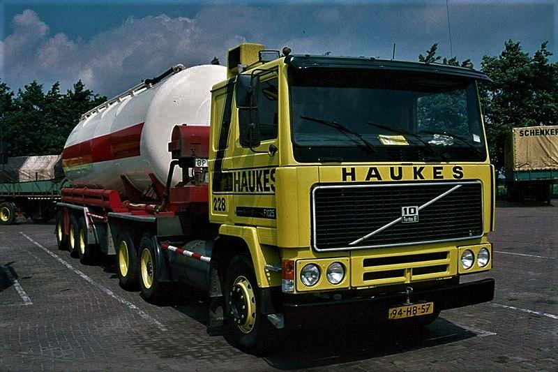 Volvo-228