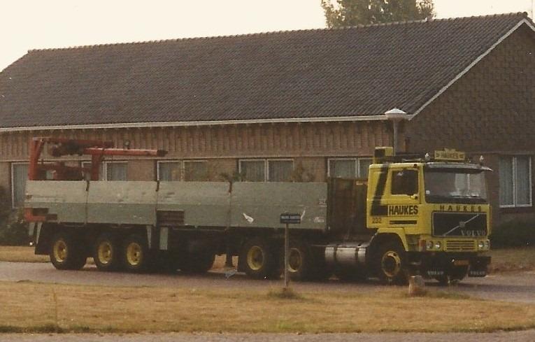 Volvo-232