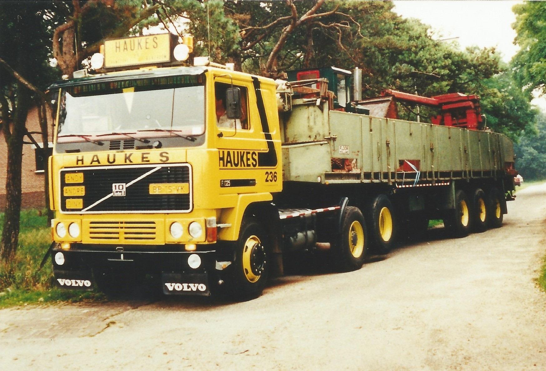 Volvo-236-