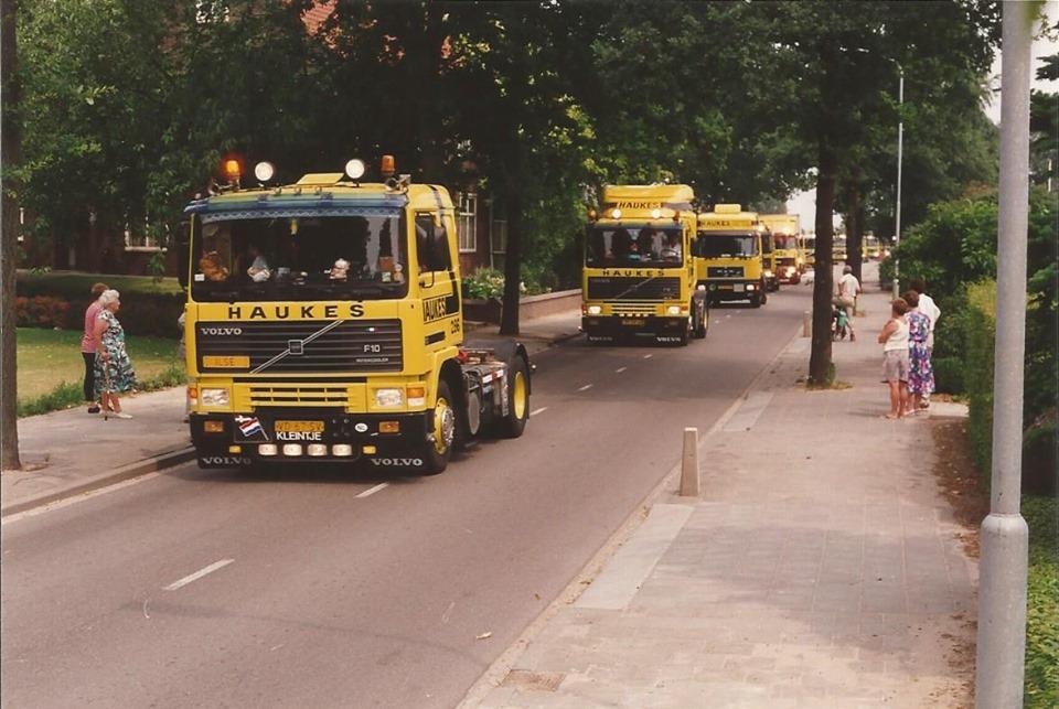 Volvo-236-1