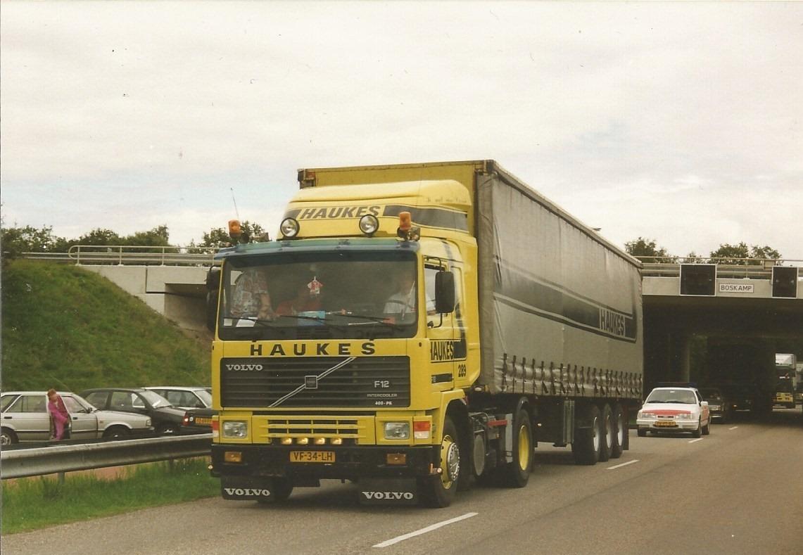 Volvo-239