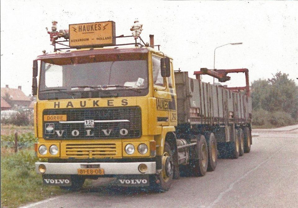 Volvo-243