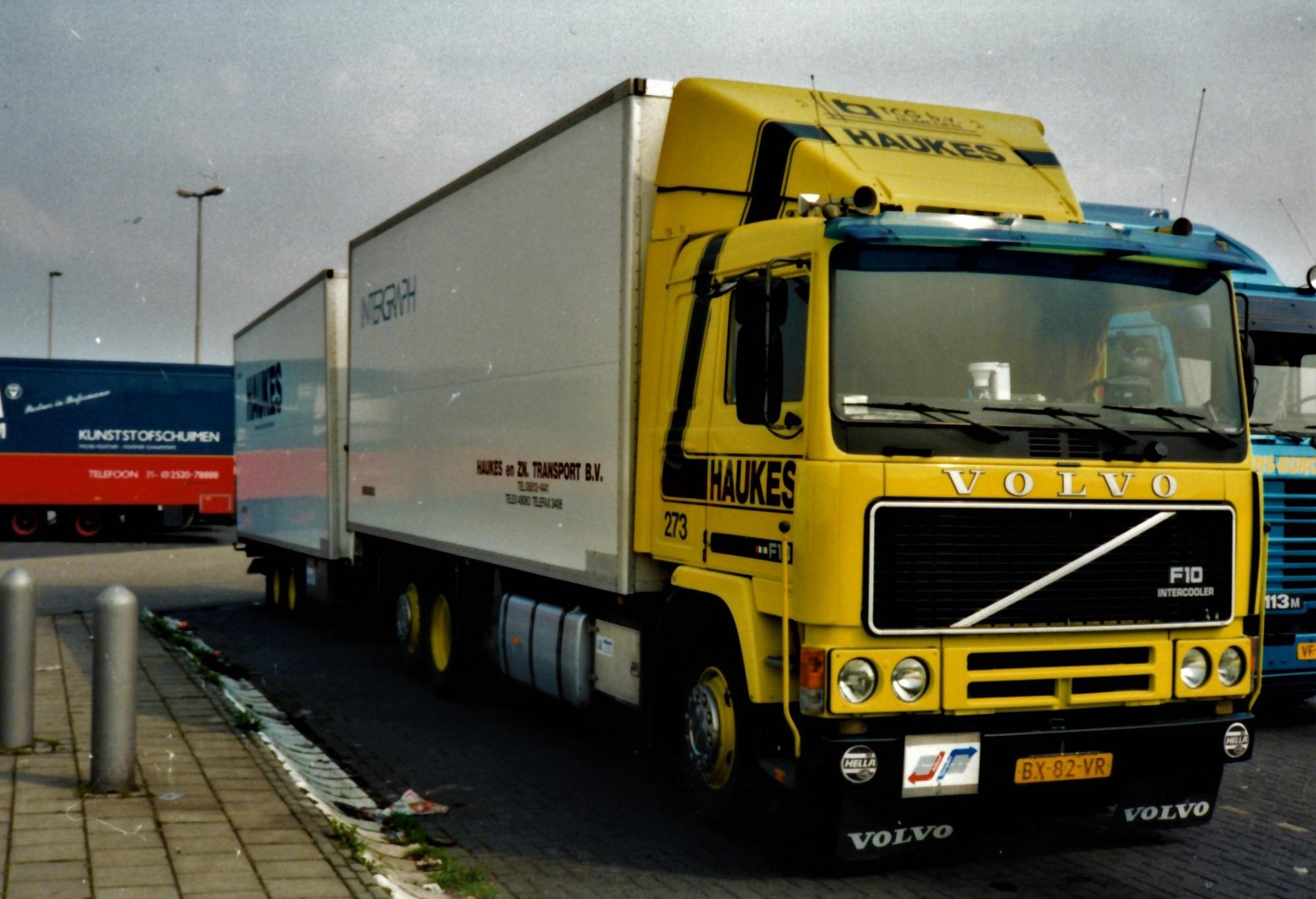 Volvo-273-Han-Megens-met-een-Groenenwegen-aanhangwagen