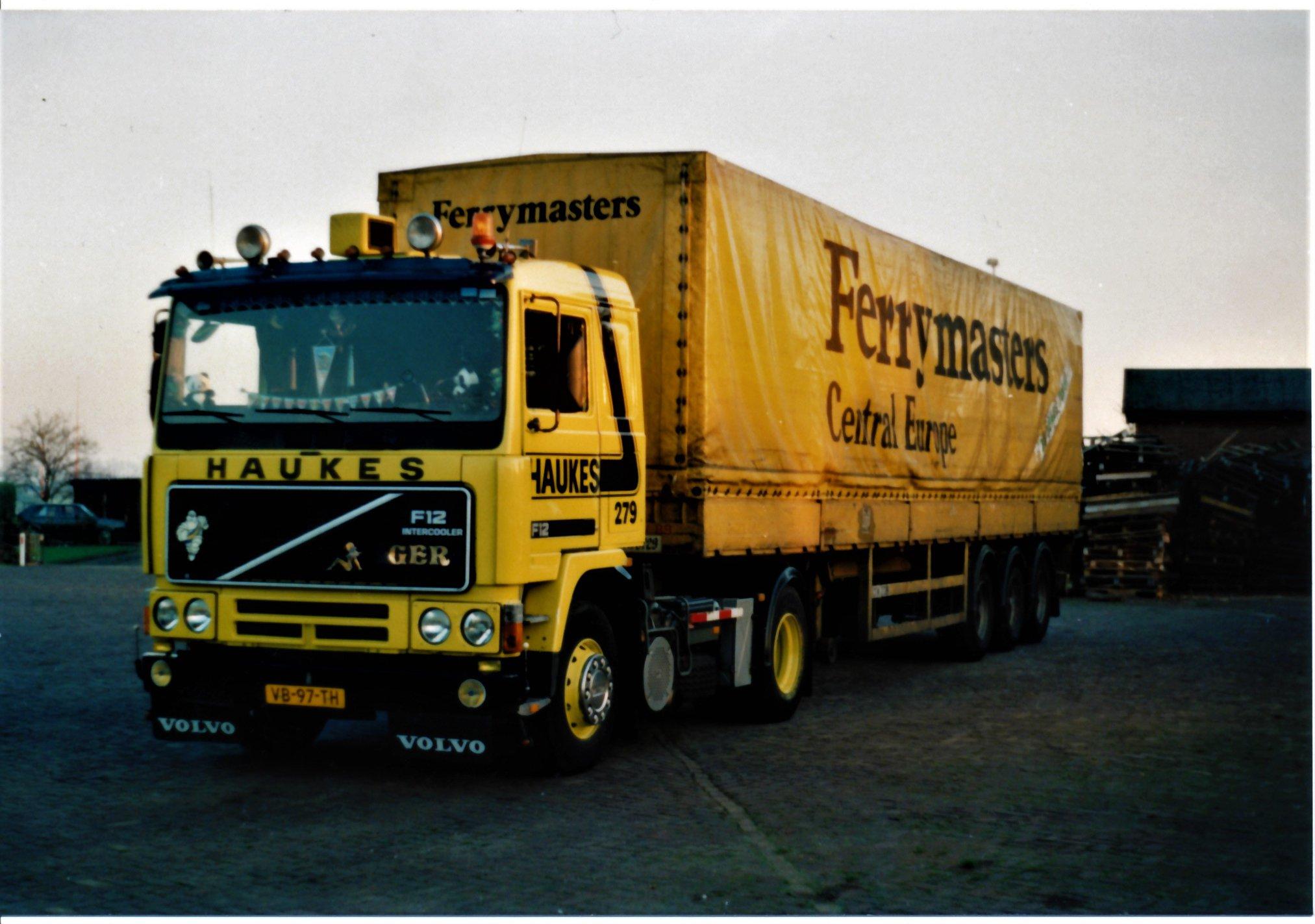 Volvo-279-Han-Megens--met-Ferry-Master-oplegger