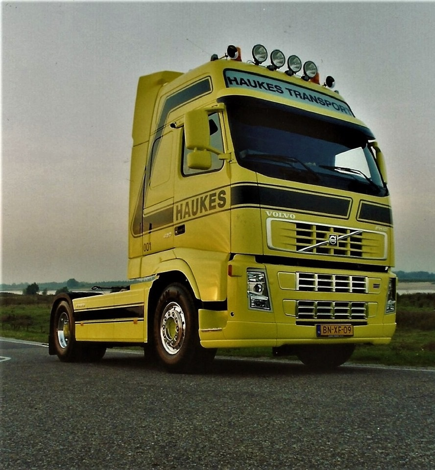 Volvo-FH--001-Han-Megens--Inmiddels-ook-Volvo-FH-001-al-16-jaar-geleden-2003-mijn-laatste-nieuwe--Globetrotter-XL-420-I--2