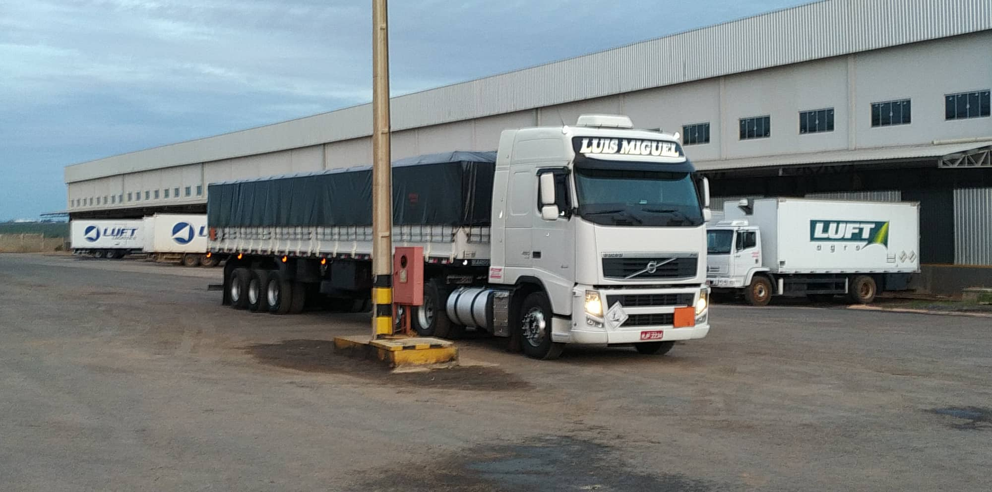 de-Volvo-bij-Bayer-in-Luis-Eduardo-Maghaeles-