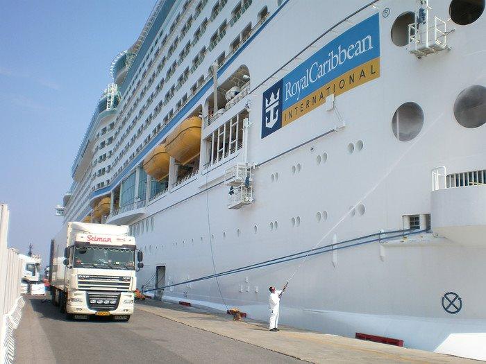 DAF-aan-de-ferry-