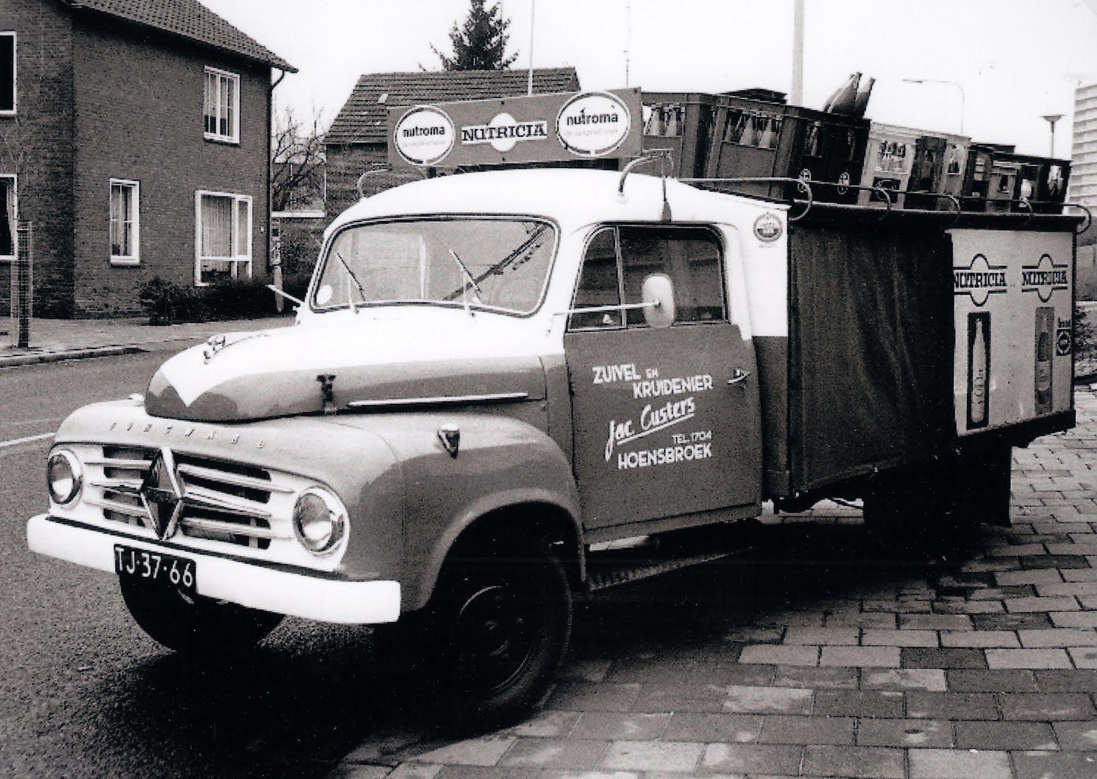 Borgward-B-1500-1955-zuivelhanden-en-kruidenier