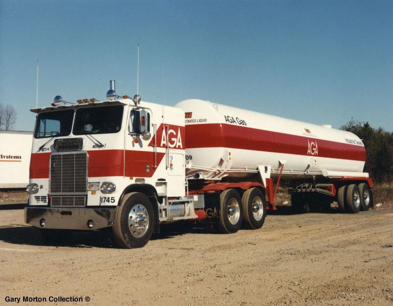 1978_FREIGHTLINER_FLA8664ST_AGA_GAS