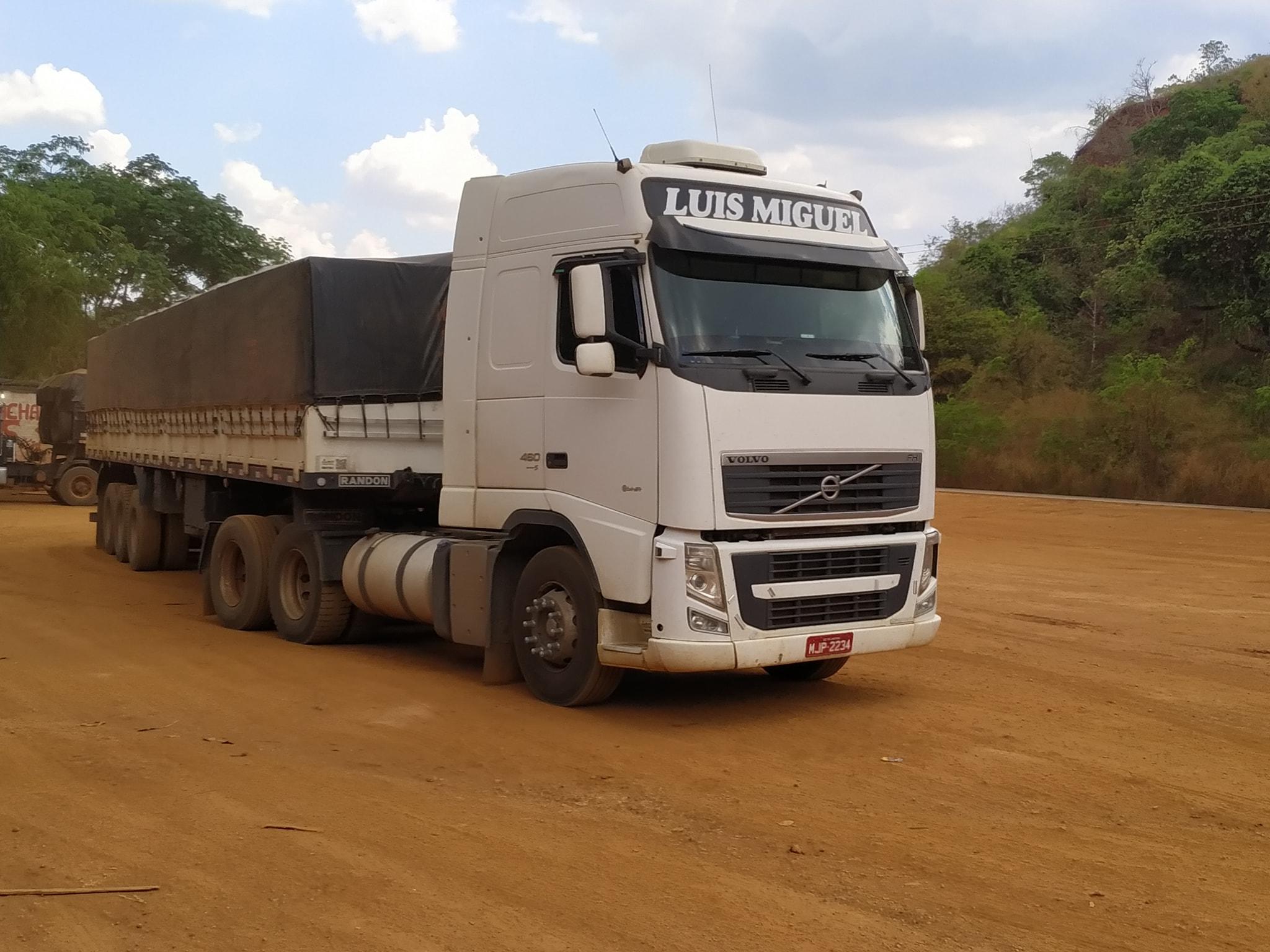 Volvo-6X2-